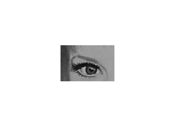 oeil droit de Mylène Farmer