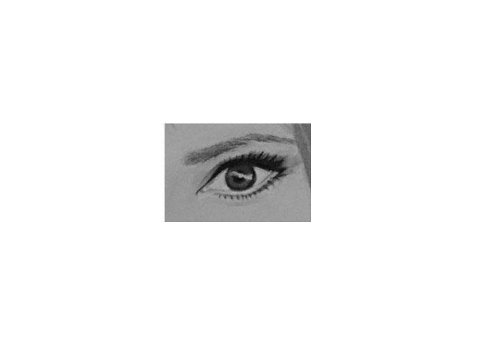 oeil gauche de Mylène Farmer