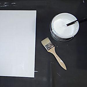gesso, pinceau et toile